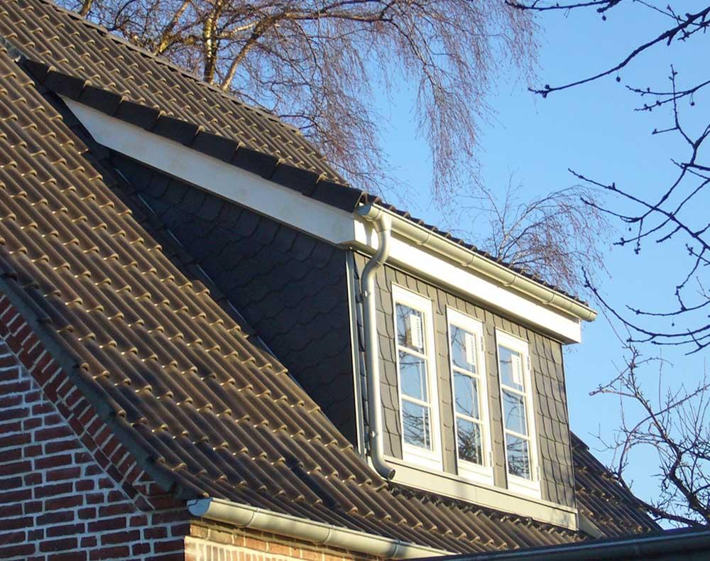 Die Schleppdachgaube passt gut auf Hausdächer mit starker Neigung