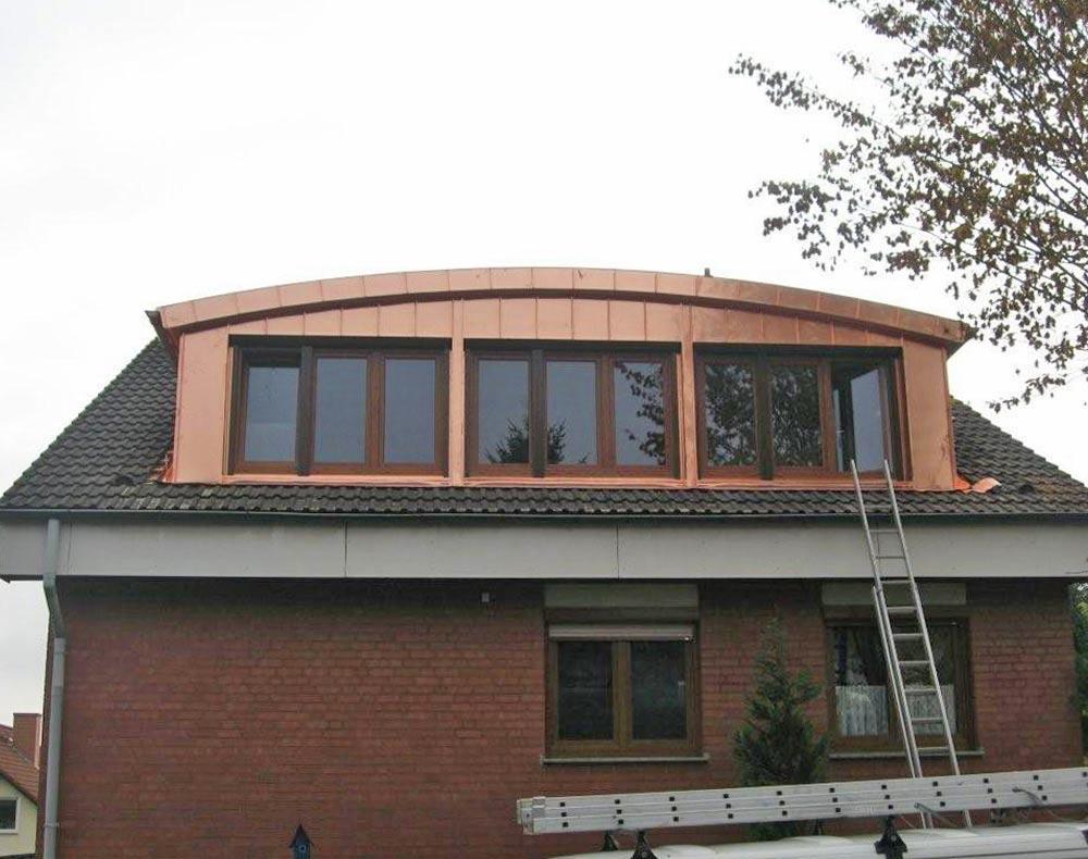 Die passende Gaube für die Form des Daches